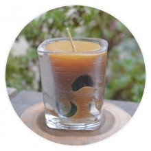 100% Pure Beeswax Cylinder Shaped Candle in Rectangular Glass – with Sandalwood Flavour